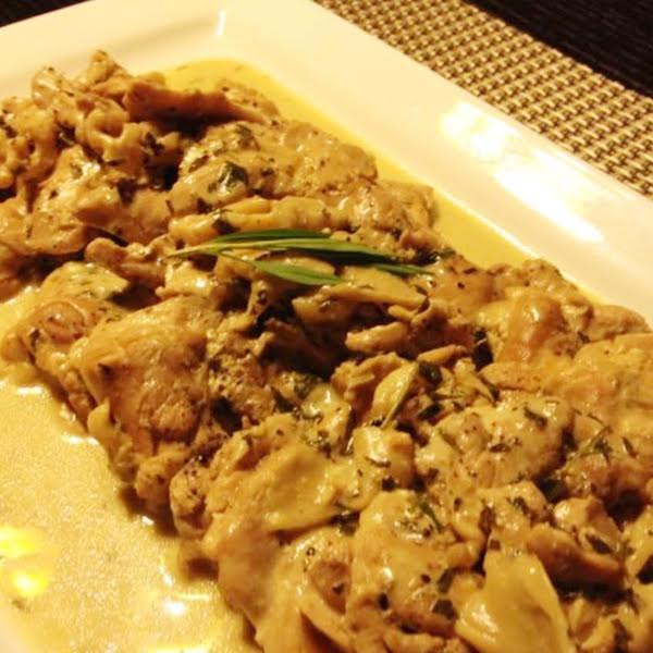 Poulet et champignons à l'estragon or Chicken Tarragon with Oyster Mushrooms in Cream Sauce