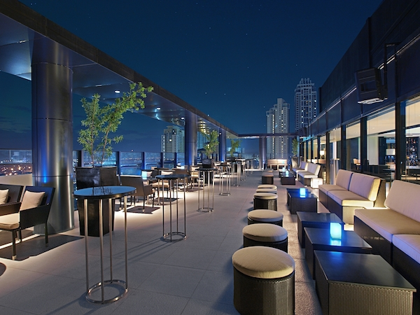 Seda BGC Hotel Philippines - Straight Up Roofdeck Bar Al Fresco Area
