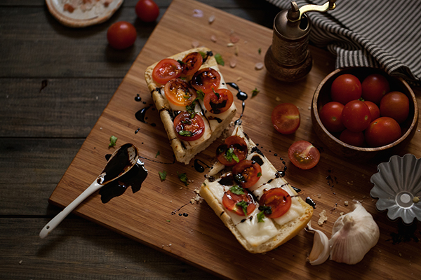 Caprese-Garlic-Bread