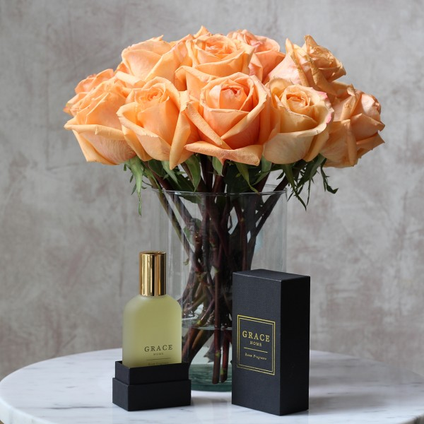 Grace Home x Te Amo - Talc and Vanilla Room Fragrance with a Dozen Roses lowres