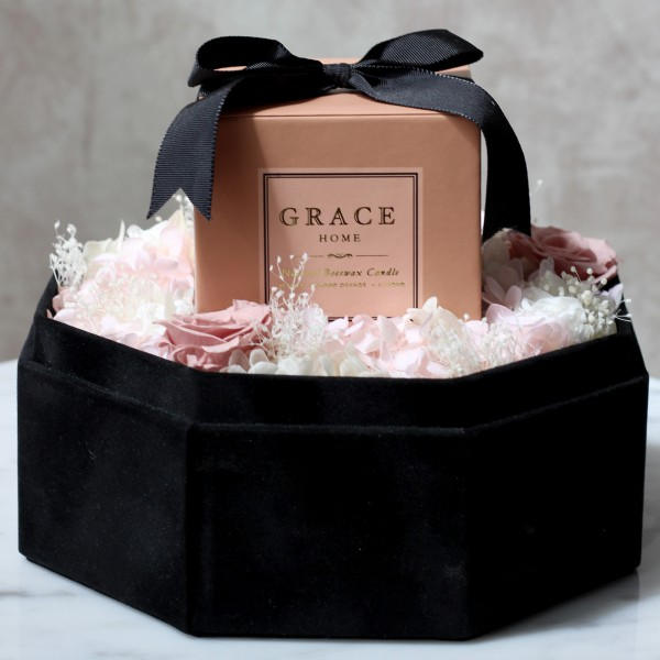 Grace Home x Te Amo Vetiver Blood Orange Almond Candle Preserved Flower Box