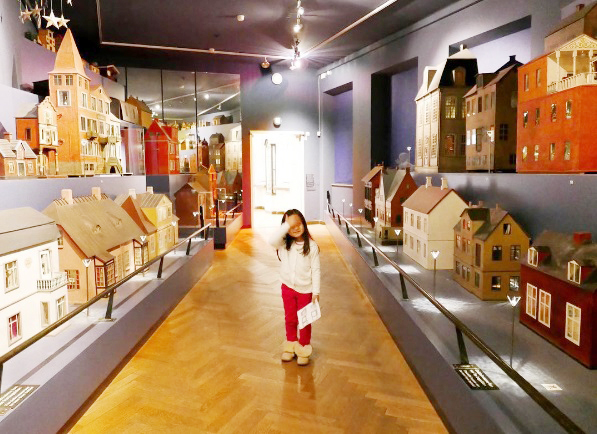 doll-houses-at-national-museum-of-denmark