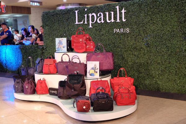 7621f16d6 And in addition to its eight signature colors, every season Lipault  launches three new colors as inspired by the trends seen on the runways of  Paris.